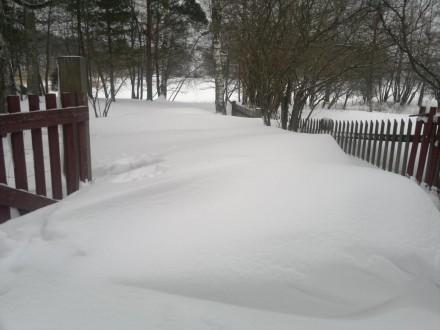 Stigen till och från Ytterholm med snö
