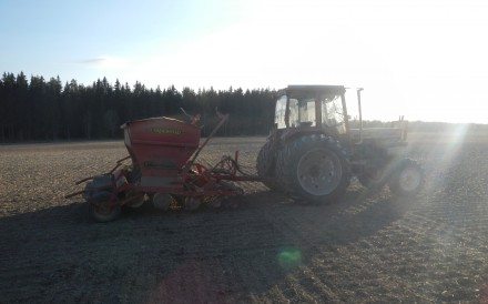 traktor_i_motljus_DSCN2433