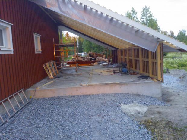 Undertak och långsidans vägg klar 12.06.2014