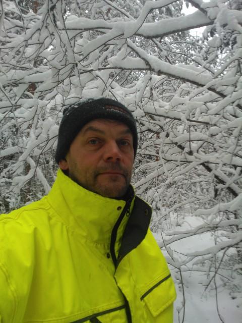 Det är väl bara att bege sig in i snölandskapet :)