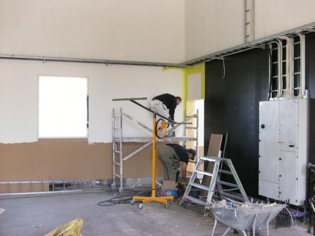 Inrednings- och installationsarbete tar vid.....