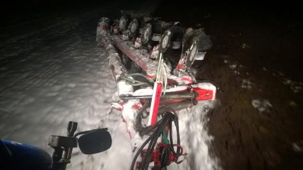 21.11.2015. Plöjning av hemåkern i 15cm snö.