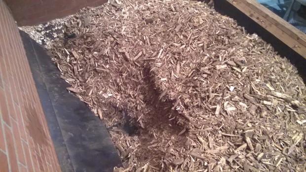 Finns lättare material än grov träflis att gräva i.